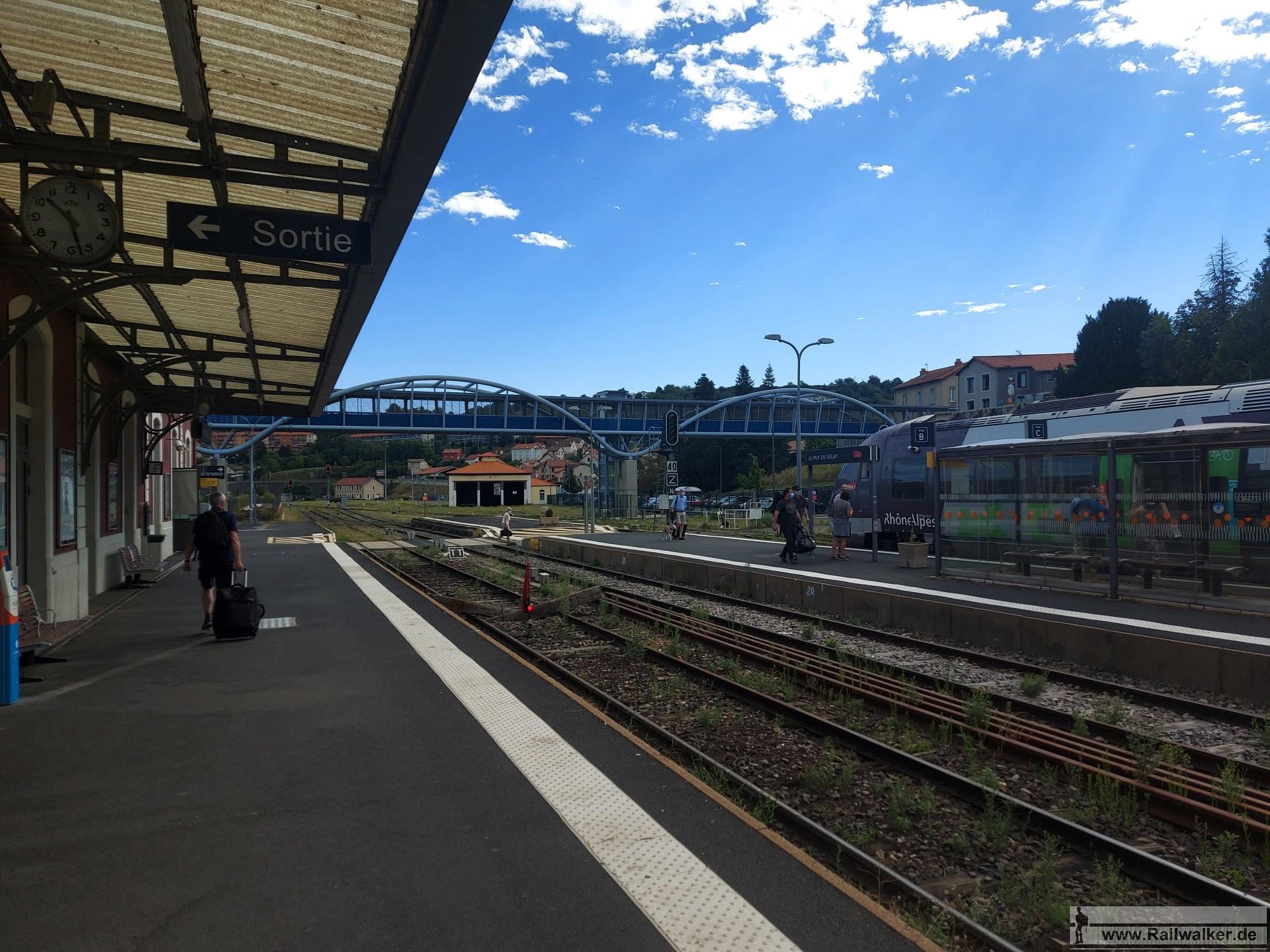 Ausgangspunkt der Wanderung zum GR3 Startpunkt ist der Bahnhof von Le Puy.