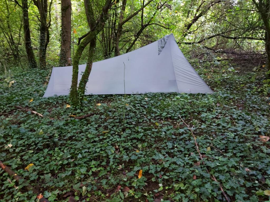 Camping im Wald bei Fontvannes