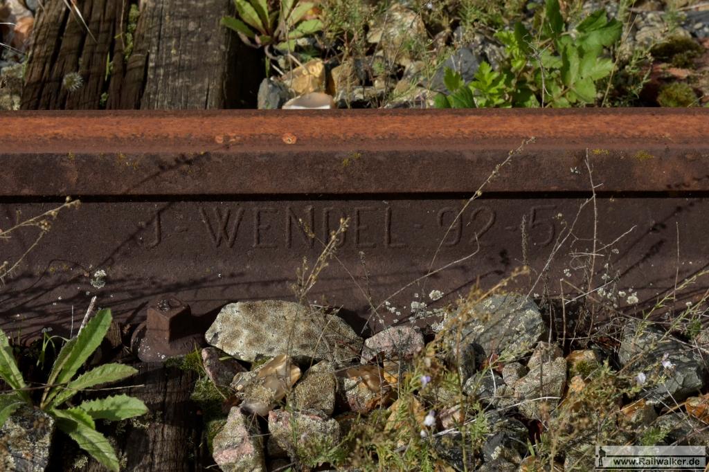 Schiene vom Wendel-Konzern. Gewalzt im Mai 1892.