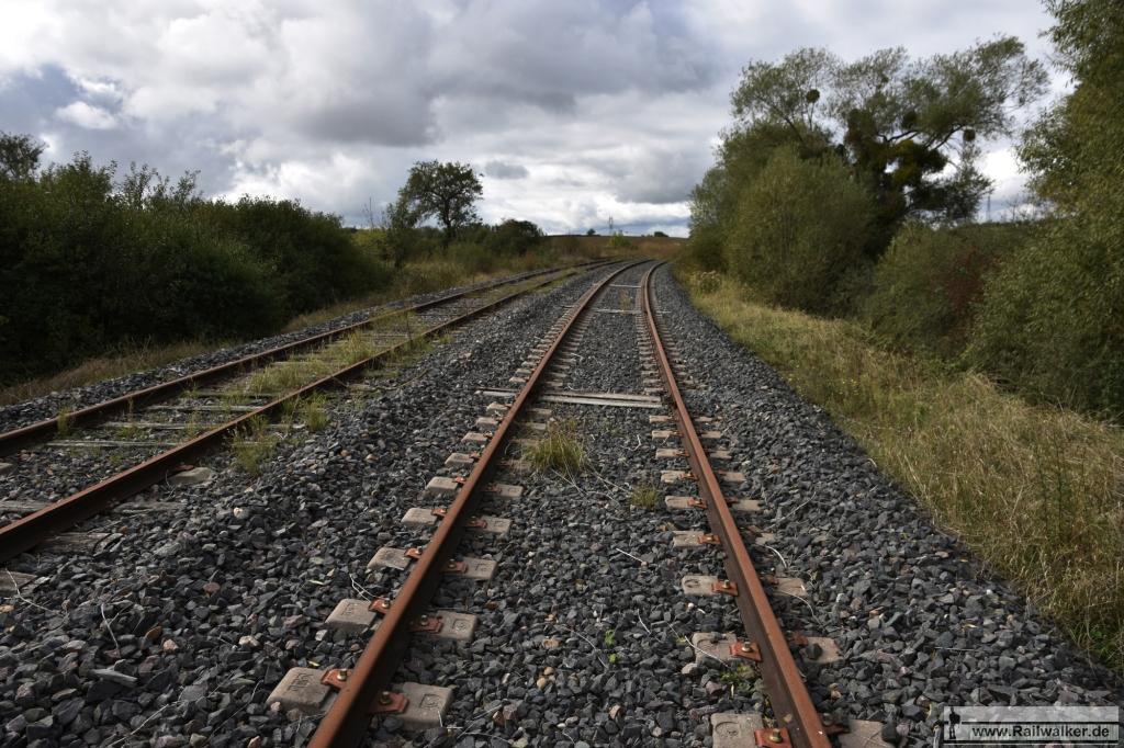 Nur sehr kurze Abschnitte wurden kurz vor der Einstellung des Zugverkehrs erneuert.