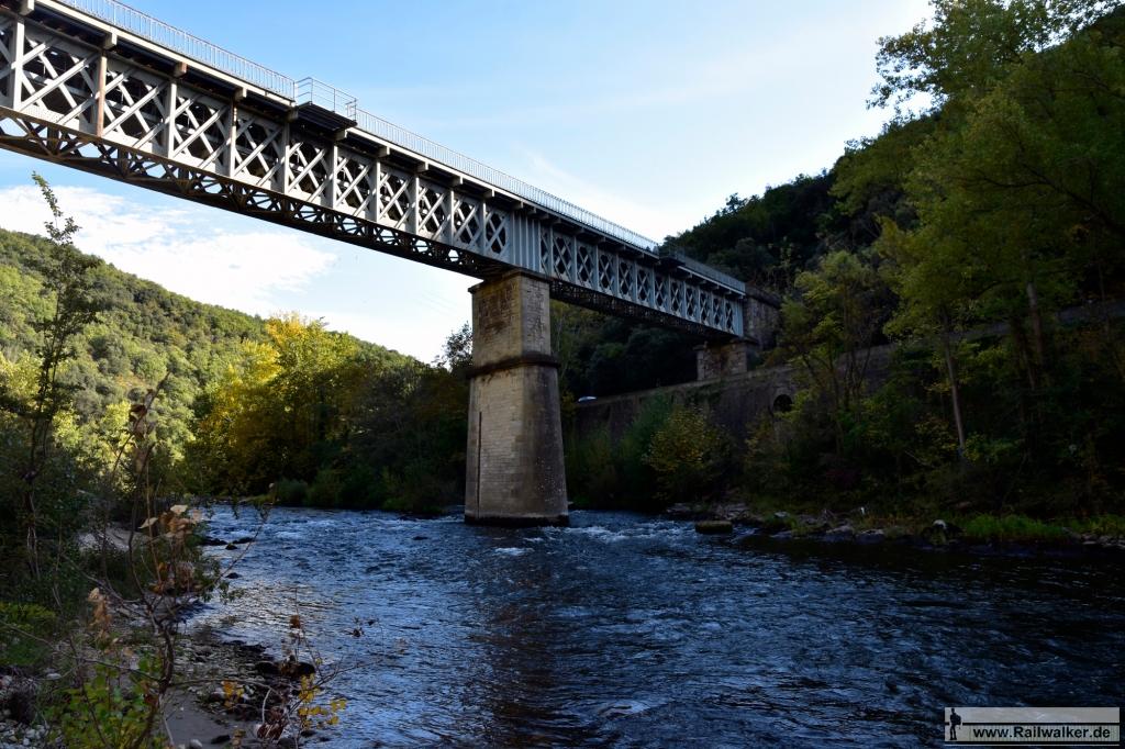 Die Pont sur l'Aude bei Streckenkilometer 381,293.