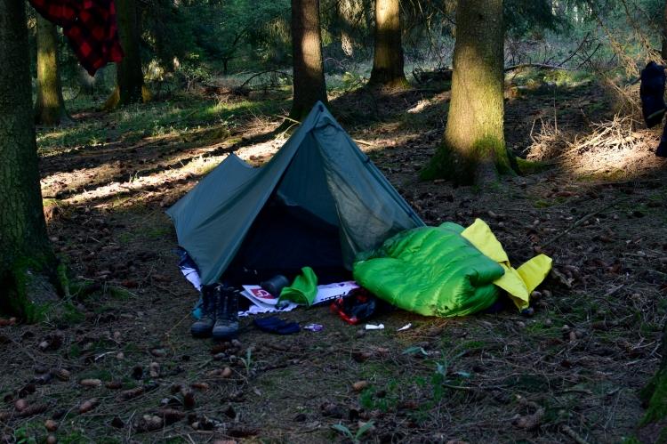 Zelten in der Eifel. Durch den Lockdown war es fast gespenstisch leer auf dem Eifelsteig. Zelten war da kein Problem.