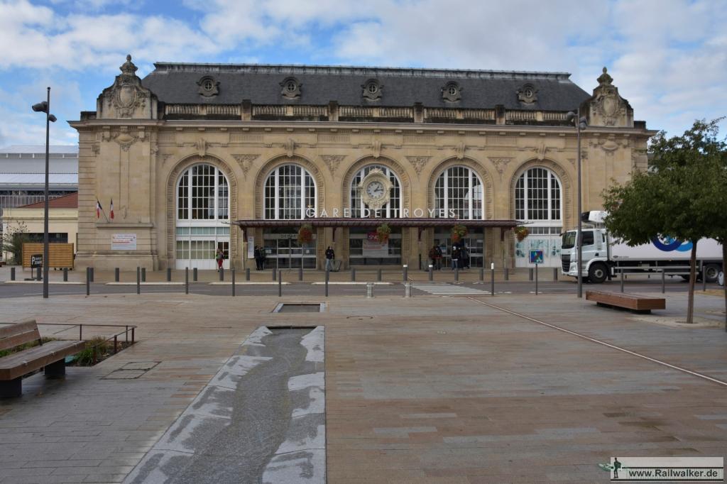 Der Bahnhof von Troyes. Die Bahnhoshalle wird gerade saniert.